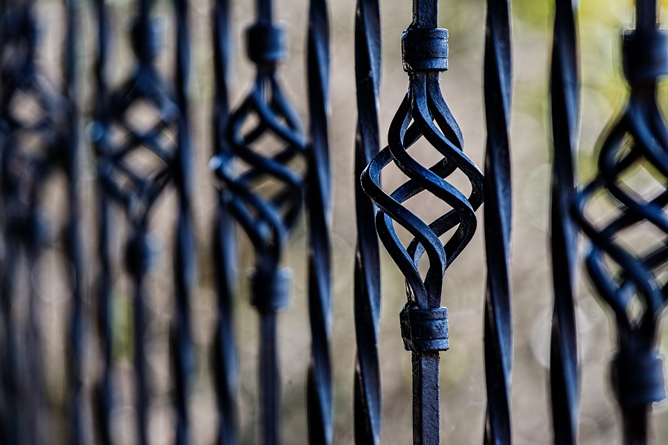fence-450670_960_720